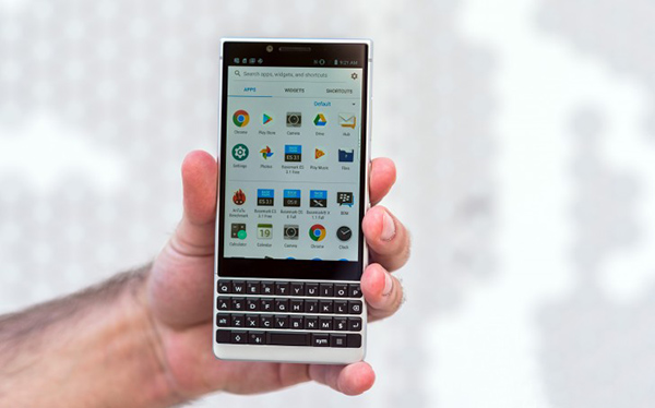 Blackberry_KEY2_Review-30