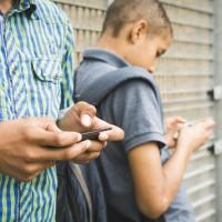 آیا فرزندتان آمادگی لازم برای داشتن گوشی همراه دارد