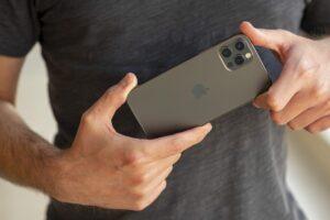 نقد و بررسی تخصصی آیفون 12 پرو iPhone 12 Pro