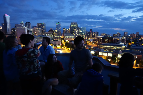 دوربین کامپکت بالارده - نمونه تصویر عکاسی در شب