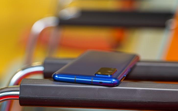 نقد و بررسی تخصصی گوشی آنر وی 30 پرو