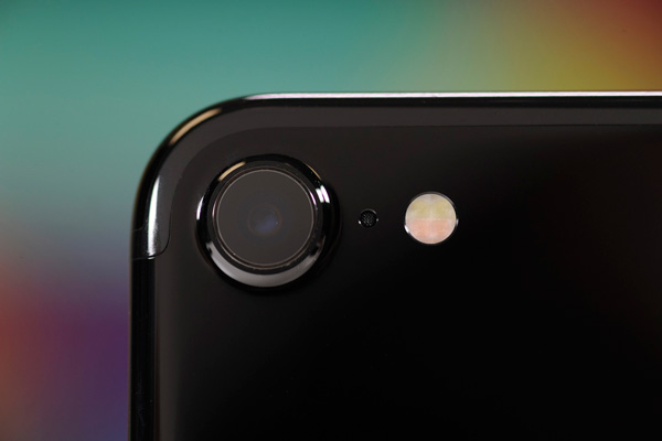 نقد و بررسی گوشی اپل آیفون 7 - بنچمارک