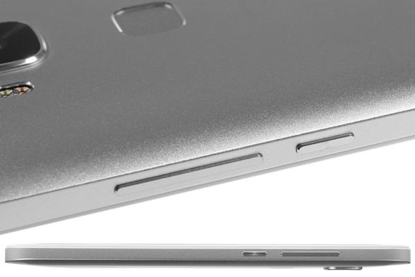 نقد و بررسی گوشی هواوی جی 8 - طراحی - سمت راست دستگاه