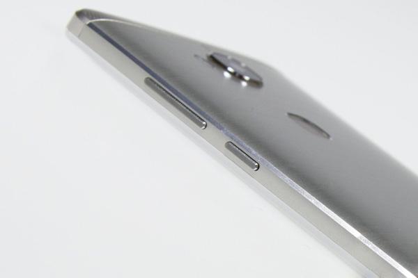 نقد و بررسی گوشی هواوی هانر 5X - طراحی کنارهها