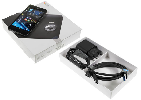 نقد و بررسی گوشی مایکروسافت لومیا 950 - جعبه بندی