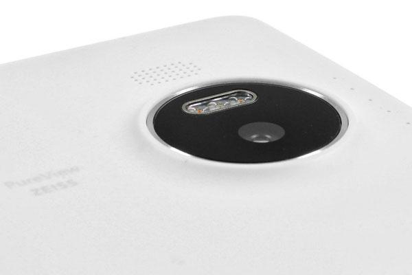 نقد و بررسی گوشی مایکروسافت لومیا 950 ایکس ال - طراحی قسمت پشتی