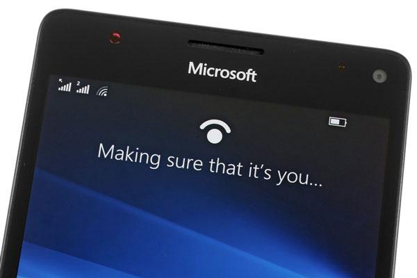 نقد و بررسی گوشی مایکروسافت لومیا 950 ایکس ال - طراحی قسمت جلویی