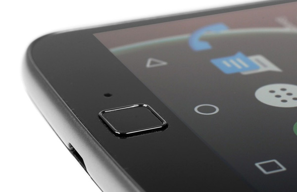 نقد و بررسی گوشی موتورولا Moto G4 Plus - پنل جلویی