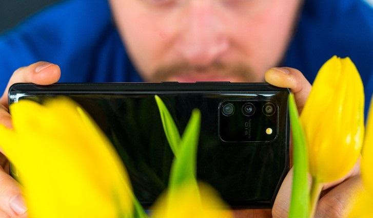 نقد و بررسی تخصصی گوشی گلکسی S10 Lite