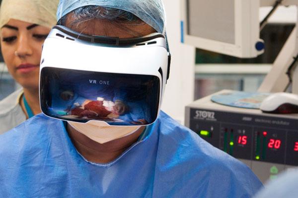 کارایی های هدستهای واقعیت مجازی در سلامت و پزشکی